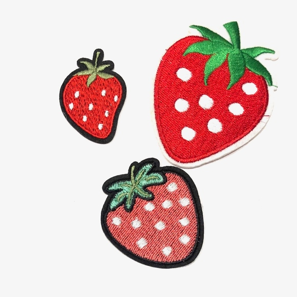 Felt strawberry diy iron on patch–felt flair for your jeans.